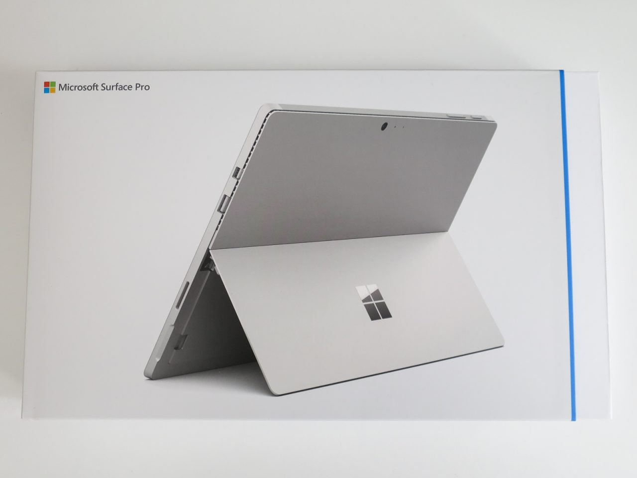 Surface Pro4のパッケージ