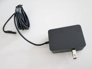 Surface Pro4 m3モデルのACアダプター