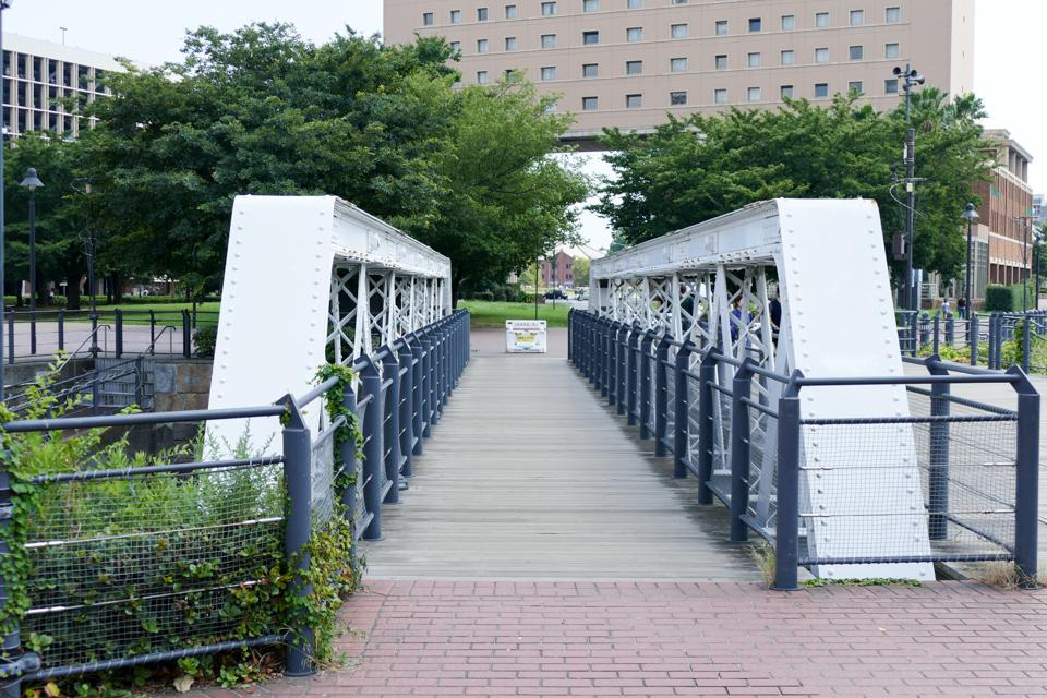港三号橋梁