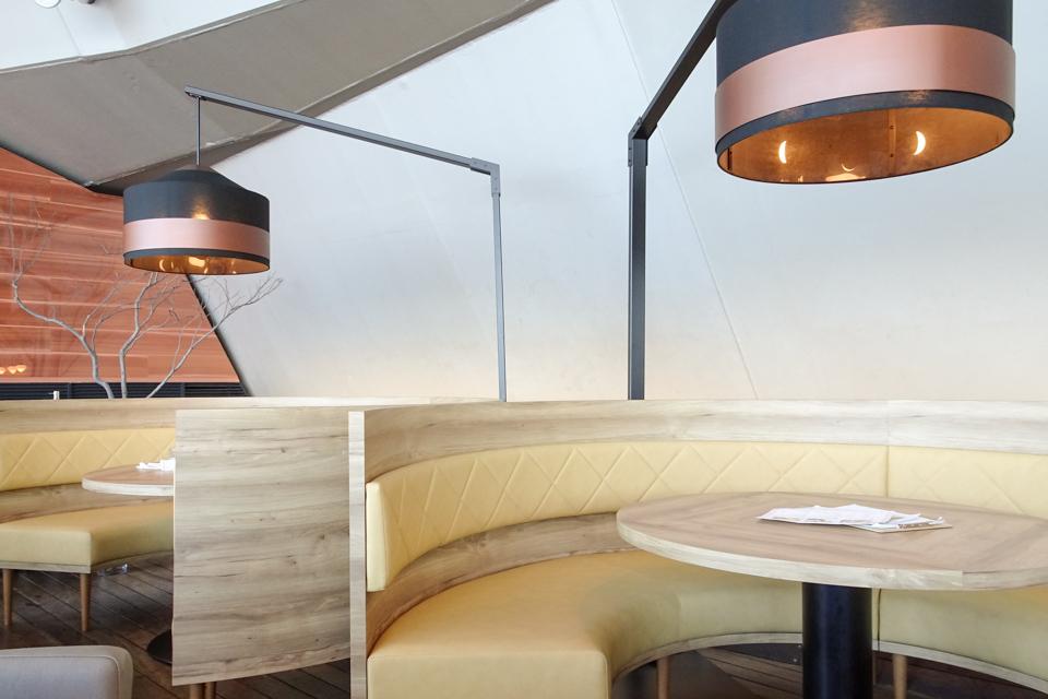 café & dining blue terminal