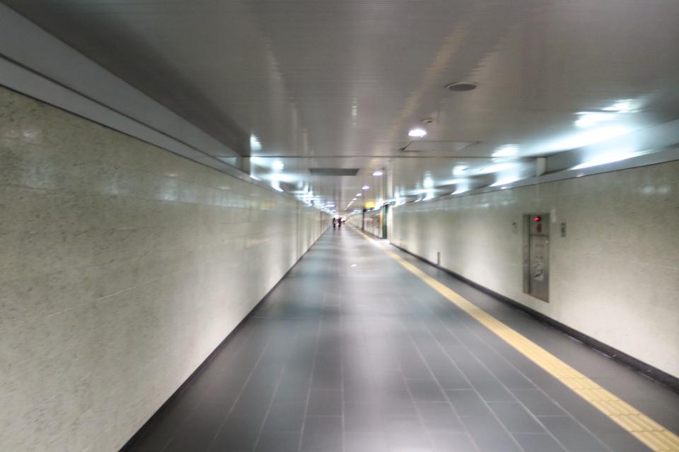 元町・中華街駅の通路