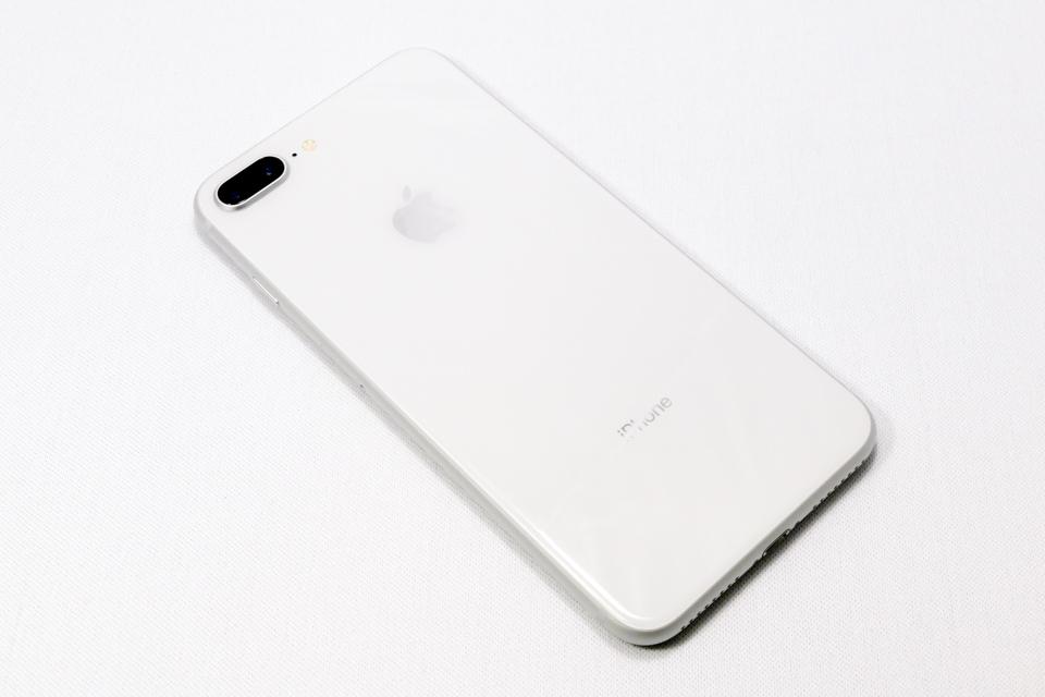 iPhone8 Plusの裏面