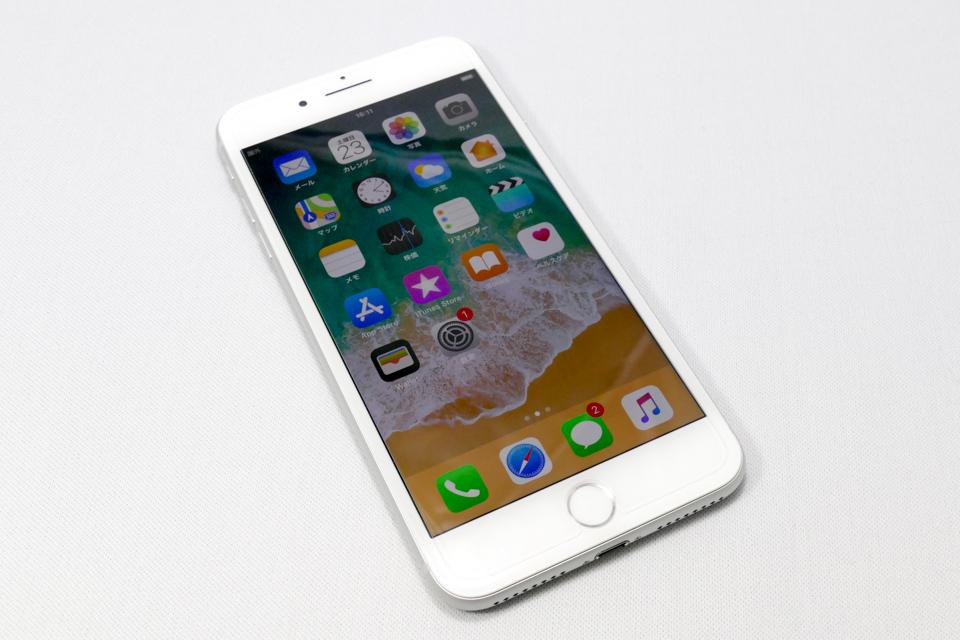 iPhone8 Plusの前面