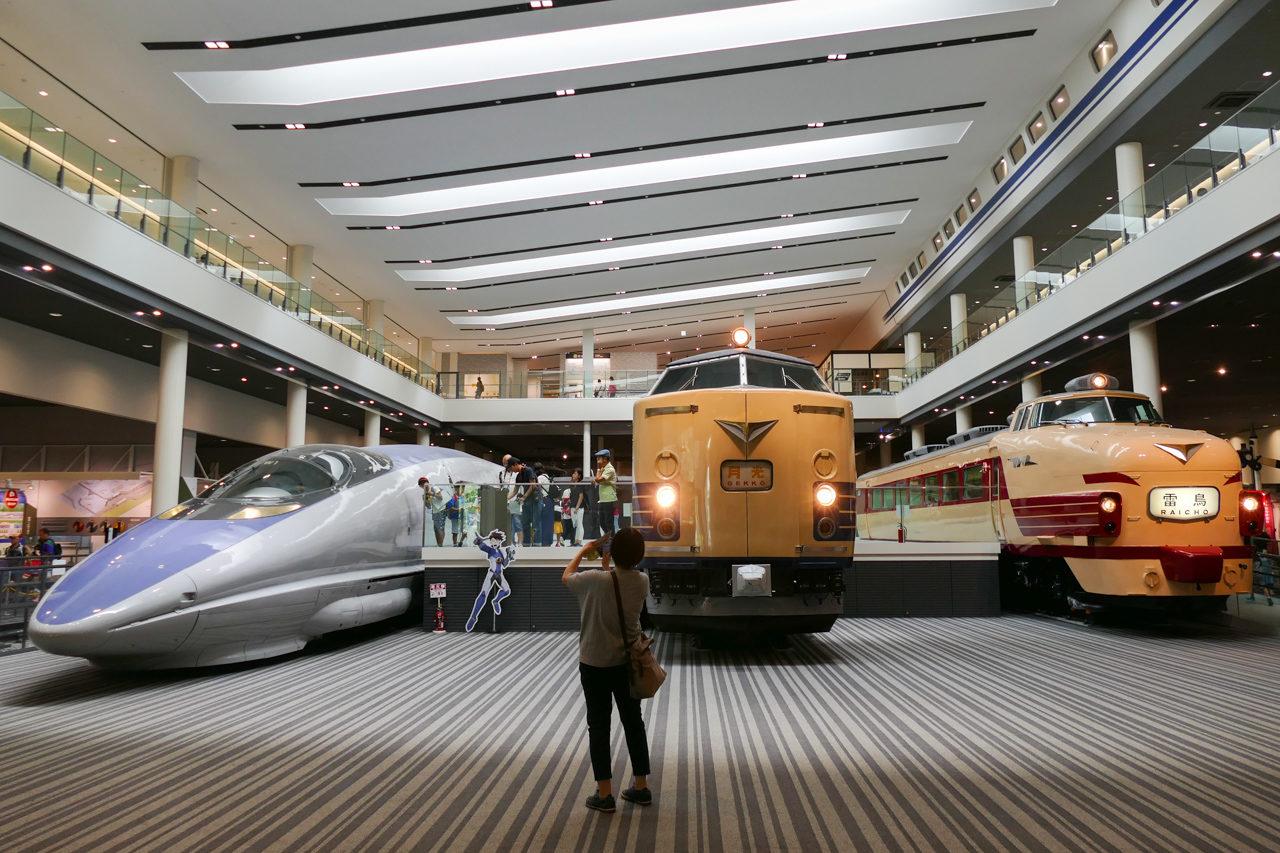 京都鉄道博物館の本館(屋内展示)